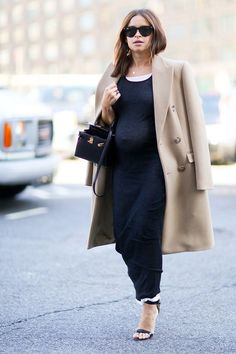 Trending Now: Baby Bumps at New York Fashion Week! Pregnant Street Style Stars At Fashion Week Miroslava Duma New York Fashion, Fashion Week, Star Fashion, Paris Fashion, Womens Fashion, Miroslava Duma, Stylish Maternity, Maternity Wear, Maternity Fashion