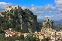 """Spettacolare borgo di Bagnoli del Trigno, provincia di Isernia, detto """"la perla del Molise"""""""