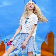 tops tee shirt and bottom skirt style