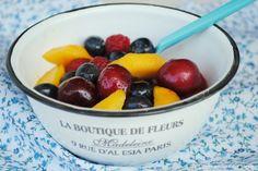 Macedonia de frutas con jarabe de saúco
