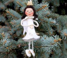 Gefilzter Engel, Weihnachtsengel als Dekoration für den Weihnachtsbaum oder für die Tür oder das Fenster