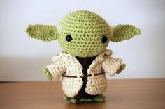 PATRÓN EN ESPAÑOL SCHEMA IN ITALIANO Hello there! Today I want to share with you a free amigurumi pattern of Yoda! I created this crochet chibi version a few years ago, as a commission from a hard-… Star Wars Crochet, Crochet Stars, Free Crochet, Knit Crochet, Crochet Patterns Amigurumi, Crochet Dolls, Star Wars Yoda, Chibi, Theme Star Wars