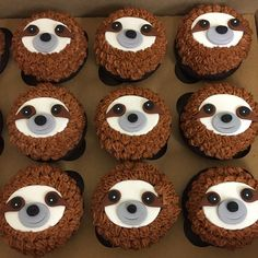 Get the cutest, custom-made Sloth cupcak. - Get the cutest, custom-made Sloth cupcakes ever at Miss Joan's cupcakes! Cake Cookies, Cupcake Cakes, Cute Food, Yummy Food, Sloth Cakes, Animal Cupcakes, Cute Cakes, Let Them Eat Cake, Cookie Decorating