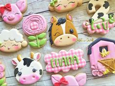 I really enjoyed the extra hour of sleep last night. sometimes I wish I had that extra hour when I am rushing to finish an order… Petting Zoo Birthday Party, Farm Animal Birthday, First Birthday Party Themes, Farm Birthday, Baby Girl Birthday, Birthday Ideas, Barnyard Party, Farm Party, Farm Cookies