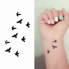 mini tatuajes de golondrinas - Buscar con Google