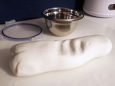 Make white soft dough yourself (cornflour and soda) - Diy and Crafts World Clay Crafts For Kids, Crafts For Seniors, Preschool Crafts, Projects For Kids, Diy For Kids, Diy And Crafts, Cotton Candy Slime, Diy Slime, Arts And Crafts Supplies