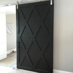 Just installed favorite black barn door! Yes, again favorite color for all doors! #jamieherzlingerinteriors #jamieshop #barndoor #blackdoor #interiordesign #trending