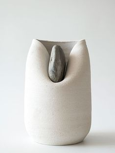 """12images: """" Vase with stone, Martín Azúa """""""
