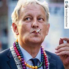 #Repost @lodewijkasscher  Heel fijn dat hij door wil! Deze foto is vintage Eberhard