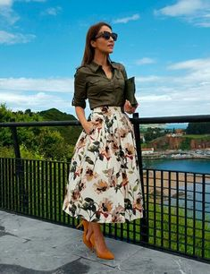 Swans Style is the top online fashion store for women. Shop sexy club dresses, jeans, shoes, bodysuits, skirts and more. Jw Fashion, Modest Fashion, Girl Fashion, Fashion Dresses, Hippie Fashion, Fashion News, Midi Skirt Outfit, Skirt Outfits, Dress Skirt