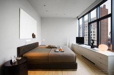 Дизайн низкой кровати с пальни в стиле минимализм