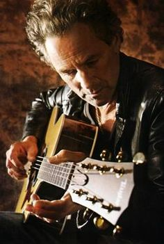 Lindsey Buckingham- One of the greatest guitar players ever