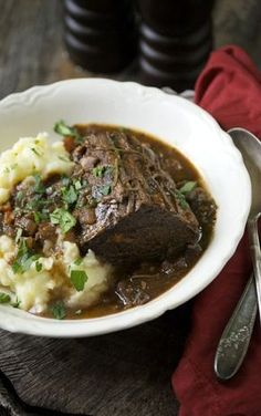 Low FODMAP and Gluten Free Recipes - Braised beef with cranberries & spices --- http://www.ibssano.com/low_fodmap_recipe1_braised_beef_cranberries_spices.html