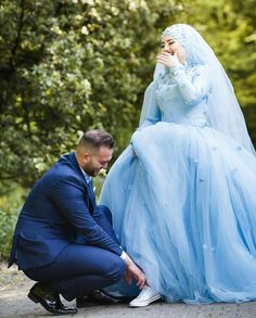 Trendy Wedding Dresses Hijab Muslim Couples The Bride Ideas Muslimah Wedding Dress, Muslim Wedding Dresses, Muslim Brides, Muslim Dress, Muslim Women, Bridal Hijab, Wedding Hijab, Cute Muslim Couples, Cute Couples