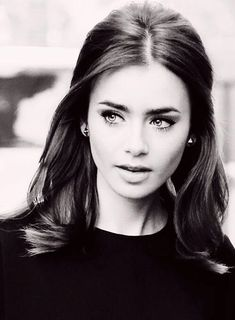 Lily Collins- perfect hair for rehearsal dinner! Teased, half up, bent ends. Pair with classic black eyeliner red lips. Hair Day, Your Hair, Pretty Hairstyles, Wedding Hairstyles, 1960s Hairstyles, Middle Part Hairstyles, Classy Hairstyles, Hairstyles 2016, Medium Hairstyles