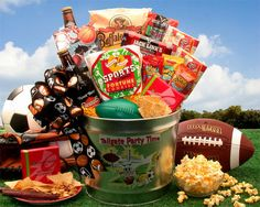 More - Tailgate Party Time Gift Pail. Do you have a weekend warrior on your gift giving list? This awesome tailgate party gift pail is the perfect gift for all the sports fana Gift Baskets For Men, Themed Gift Baskets, Raffle Baskets, Theme Baskets, Fundraiser Baskets, Candy Baskets, Basket Gift, Easter Baskets, Silent Auction Baskets