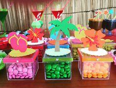 Niver de Mari Moana Birthday Party, Hawaiian Birthday, Luau Birthday, Birthday Parties, Fiesta Party, Luau Party, Beach Party, Pink Flamingo Party, Flamingo Birthday