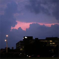 when the cool night Brings back memories of good days :) #Evening #Colors #Clouds #Chicago #Uptown #Cold