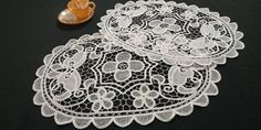 Vintage 90s Needle Lace Doilies Placemats, Vintage 90s, Set of 2, Pure White, 2x32x44 / 2x12.6x17.3in Large Tablecloths, Long Sleeve Evening Gowns, Crochet Table Runner, Shades Of Beige, Needle Lace, Lace Doilies, Pure White, Crochet Lace, Floral Lace