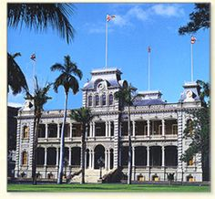 Iolani Palace - the official residence of Hawaii's monarchy. This National Historic Landmark in Honolulu tells of the 1882 rule of King Kalākaua, and his sister and successor, Queen Lili'uokalani. Visit Hawaii, Aloha Hawaii, Honolulu Hawaii, Hawaii Vacation, Vacation Places, Hawaii Travel, Hawaii Usa, Hawaiian Monarchy, All About Hawaii