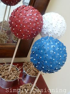 Star Topiaries - perfect patriotic decor that is really fun and simple to make!  #patriotic #4thofJuly #memorialday #redwhiteandblue #stars #topiary #diy