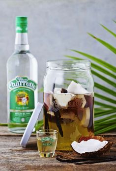 Nusret Hotels – Just another WordPress site Coconut Slice, Coconut Rum, Cocktail Drinks, Cocktail Recipes, Vegetable Drinks, Ron, Food Inspiration, Food Porn, Brunch