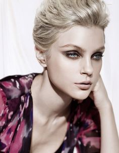 Picture of Jessica Stam Jessica Stam, Hair And Makeup Tips, Beauty Makeup, Hair Makeup, Hair Beauty, Makeup Art, Steven Meisel, Blond, Night Makeup