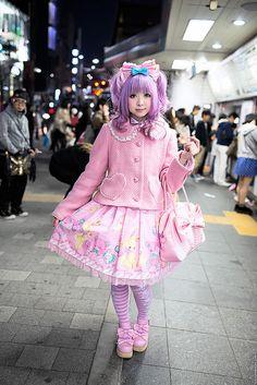 Pretty in Pink at Harajuku Station by tokyofashion, via Flickr