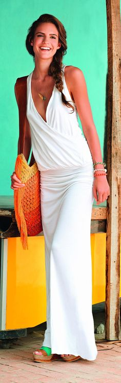 White maxi dress great for resortwear or islandwear! #travel #fashion
