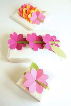 DIY: paper flower gift wrap