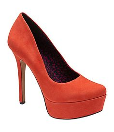 MOST COMFORTABLE PAIR OF SHOES I OWN!! Jessica Simpson Waleo Platform Pumps
