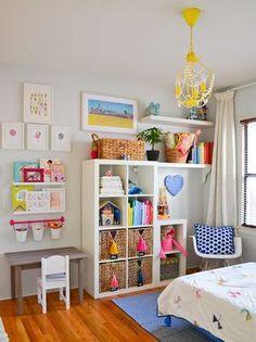 55 Kallax Regal Ideen: Als Raumteiler, Kleiderschrank, Garderobe und Co. 55 Kallax shelf ideas: As a room divider, wardrobe, cloakroom and Co. Set up a colorful children's room in a Scan Kallax Ideas, Ikea Kallax Regal, Ikea Expedit, Kallax Shelf, Ikea Shelves, Ikea Regal, Shelving Units, Floating Shelves, Toy Rooms