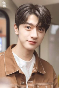 Korean Haircut, Asian Love, Ulzzang Korean Girl, Boy Paradise, Boy Photos, Chinese Boy, Chinese Actress, Actor Model, China