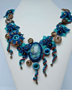 Beautiful beaded jewelry by Nadya Gerber. More photos on http://beadsmagic.com/?p=4198