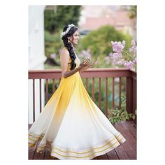 Offbeat Mehendi Outfits Spotted On Real Brides Bridal Beauty, Bridal Makeup, Mehndi Outfit, Indian Outfits, Indian Clothes, Cape Dress, Mehendi, Image Photography, Looking Gorgeous