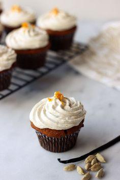 Grain-Free Cardamom Vanilla Bean Cupcakes (almond flour) recipe #food #paleo #glutenfree #cupcakes