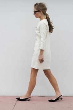 simple white dress + Emerson frye french sling backs & pony Emerson Frye, Looks Style, Style Me, Kitten Heels Outfit, Kitten Heel Slingbacks, Slingback Flats, A Well Traveled Woman, Simple White Dress, Mode Simple