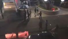 VIDEO Con mucha calma hombre mata a maestro cuando salía de un bar - Uniradio Noticias