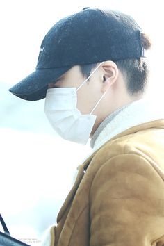 Kai - 160218 Incheon Airport, departing for Chicago Credit: Chibimori. (인천공항 출국)