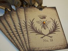 love this bee motif