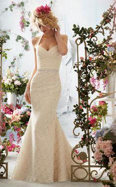 #NewYorkDress: We Love For Under $1,000!  Dress: #MoriLee 6761