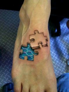 3D tattoo ~ not a big tattoo fan personally, but thought this was very cool!
