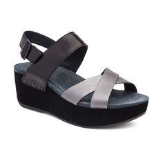 ee10327b19c7 92 Best Shoes images