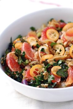 Farro Salad with Kumquats, Blood Orange, and Kale - Vegan. Omit the farro and put in quinoa for a gluten free version! Kale Salad Recipes, Vegetarian Recipes, Cooking Recipes, Healthy Recipes, Kale Salads, Tasty Meals, Vegan Vegetarian, Easy Recipes, I Love Food