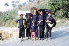 Family gathering-LokMaChau History Of Hong Kong, China Hong Kong, Chinese Culture, Macau, Ancestry, Nostalgia, African, Child, Retro