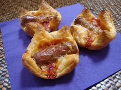 Cheesy sausage tarts - for kids (young and old)