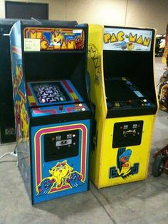 Pac-man and Mz. Pac-man.  It don't get no betta!