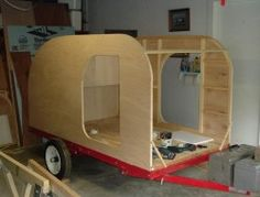 Build your own teardrop trailer from the ground up – The Owner-Builder Network Teardrop Trailer Plans, Building A Teardrop Trailer, Teardrop Caravan, Teardrop Campers, Small Camper Trailers, Diy Camper Trailer, Off Road Trailer, Airstream Trailers, Rv Campers
