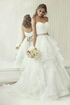84fbe81445 Pánt Nélküli Esküvői Ruhák, Esküvői Ruha, Menyasszonyok, Alkalmi Ruhák,  Nagy Menyasszonyi Ruhák