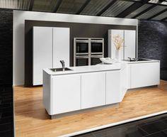Beeck keuken, type 'Colorline Techno' in de kleur 'Arctic White'.